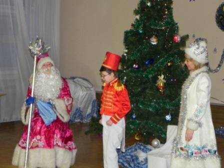 Дети читают стихи Деду Морозу